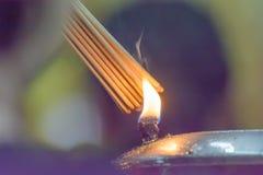Der Weihrauch von Öllampen Stockfotos