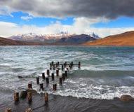 Der Wind und die Wellen im Laguna Azul Lizenzfreies Stockbild