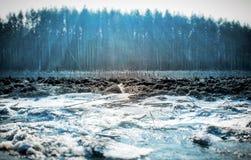 Der Winterfluß 2 lizenzfreies stockbild