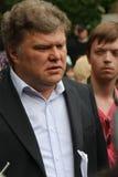 Der Yabloko-Parteichef Sergey Mitrokhin auf einer oppositionellen Aktion von Okkupay Abay Lizenzfreies Stockbild