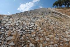 Der Yerkapi-Wall im Süden von Hattusa, die Türkei Lizenzfreie Stockfotos