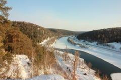 Der Yermak-Felsen Panoramablick des Sivla-Flusses Urals-Region Permskiy Kray, Russland lizenzfreie stockfotos