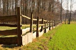 Der Zaun um die Weide. Lizenzfreie Stockfotografie