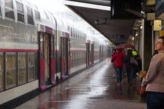 Der Zug an der Endstelle Stockfoto