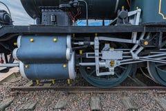 Der Zylinder, die Zwischenüberschrift und die Ventilstößel eines finnischen Dampf locomoti lizenzfreie stockbilder