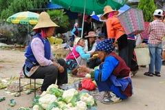 deras kinesisk sell för bondegodamarknad royaltyfria foton