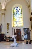Derby Cathedral Font en Gebrandschilderd glas HDR royalty-vrije stock foto