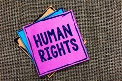 Derechos humanos del texto de la escritura El concepto que significa normas de los estándares de los principios morales de una ge fotografía de archivo