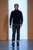 Derek Lam camina la pista en Derek Lam Fashion Show durante la caída 2015 de MBFW Fotografía de archivo libre de regalías