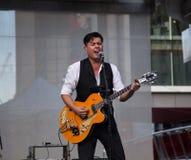 Derek Miller spełnianie przy Yonge Dundas kwadratem w Toronto Zdjęcia Stock