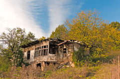 Derelict house in countryside Royalty Free Stock Images