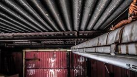 Derelict oxidado idoso da garagem Imagem de Stock Royalty Free
