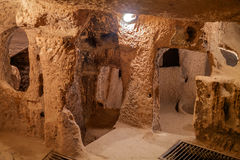 Derinkuyu - ciudad de la cueva en Cappadocia Turquía Imagen de archivo libre de regalías