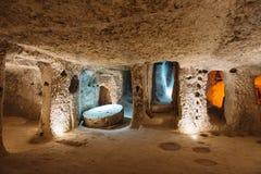 Derinkuyu underjordisk stad i Cappadocia, Turkiet Royaltyfria Bilder