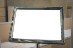 Derisione in bianco del tabellone per le affissioni di informazioni su Immagine Stock Libera da Diritti