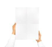 Derisione del manifesto della tenuta della mano su Modello piacevole per mostrare la vostra progettazione, pi fotografia stock