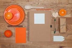 Derisione marcante a caldo arancio su fotografia stock