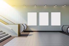 Derisione sull'esposizione degli annunci del modello di media del manifesto in scala mobile della stazione della metropolitana ra illustrazione vettoriale