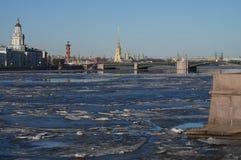 Deriva del ghiaccio su Neva Fotografia Stock