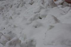 Derivas de la nieve Copos de nieve blancos foto Fotos de archivo