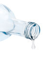 Dernière baisse hors de bouteille d'eau Photographie stock