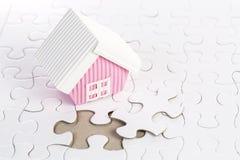Dernier morceau de construction denteuse votre maison Photographie stock libre de droits