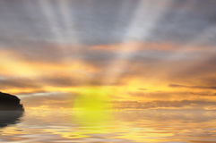 Derniers rayons du soleil au coucher du soleil Photo stock