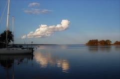 Derniers rayons du soleil sur l'île photographie stock libre de droits