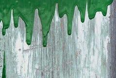 Derramamento verde da pintura Fotografia de Stock Royalty Free