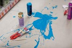 Derramamiento azul de la pintura Foto de archivo libre de regalías