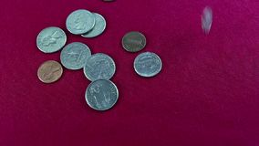 Derramamiento de la moneda almacen de video