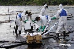 Derrame de petróleo en la playa del Ao Prao, isla de Kho Samed. Fotos de archivo