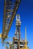Derrick de la plate-forme pétrolière de perçage tendre (plate-forme pétrolière de péniche) Photos libres de droits