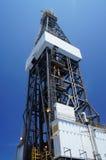 Derrickkran der Offshorejack-oben Ölplattform lizenzfreie stockfotografie
