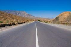 Derrota a las montañas en Turkmenistan Fotografía de archivo