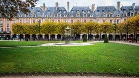 des巴黎安排vosges 免版税库存图片