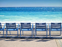 ville de nice chaises sur promenade des anglais photo stock image 43673081. Black Bedroom Furniture Sets. Home Design Ideas