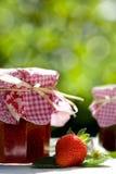 Des Blutgeschwüres Marmelade unten Erdbeer Stockbild