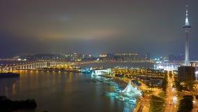 Des Brückenturmdachspitzenpanoramas 4k Nacht-Macao-Bucht berühmtes Zeitspanneporzellan stock video footage