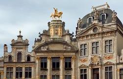 DES Brasseurs y Anno Buildings de Maison en Grand Place de Bruselas Foto de archivo