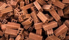 Des briques sont empilées ensemble Photo stock