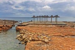 DES Cabots Playa Sa Bassa no tempo sombrio Colonia Sant Jordi Ilha de Mallorca foto de stock