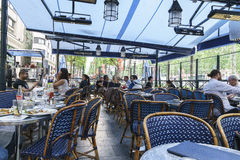 DES Champs-Elysees da avenida, Paris Imagens de Stock Royalty Free