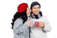 Des couples asiatiques plus anciens ayant les boissons chaudes photos libres de droits