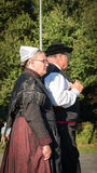 Des couples plus anciens pour une exposition traditionnelle photographie stock libre de droits