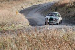 Des courses d'automobiles sur la voie de rassemblement de Myherin au Pays de Galles Image stock