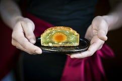 DES de fête de pâtisserie de mooncake de chinois traditionnel de portion de serveuse Photo libre de droits