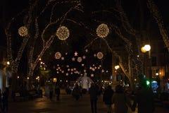 DES de Passeig llevado con las luces de la Navidad Imagen de archivo
