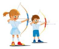 Des enfants sont engagés dans le tir à l'arc de sports Image stock