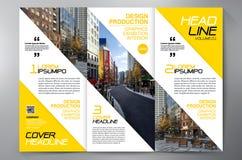 Des Faltenflieger-Designs a4 der Broschüre 3 Schablone Stockfoto